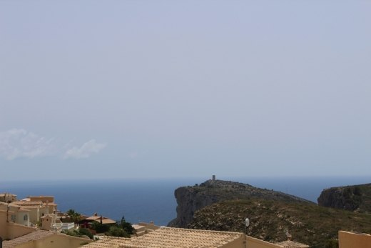 Plot 830 m2 with sea view for sale in Cumbre ...